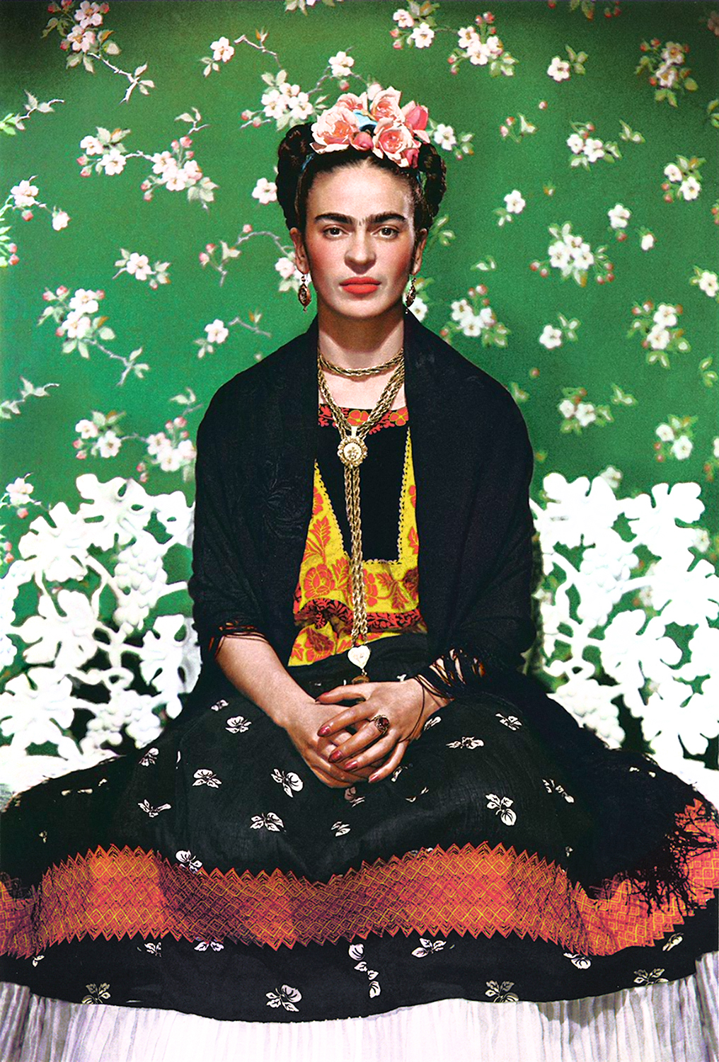 uncovering clues in frida kahlo s private wardrobe. Black Bedroom Furniture Sets. Home Design Ideas