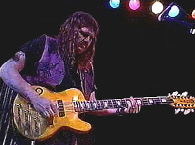 One of the musicians Eichen got to know well was the late, great Allen Woody, who played bass for the Allman Brothers and Gov't Mule, as well as Blue Floyd. In the video below, he plays a 12-string Space Cadet bass.