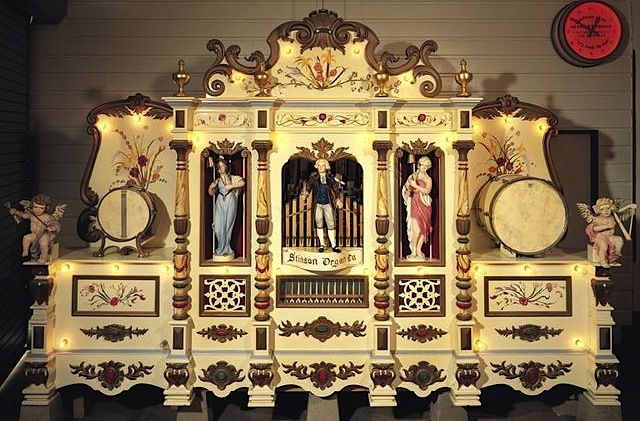 Carousel band organs, like the 1926 Stinson machine at Griffith Park in Los Angeles, often featured automatons that moved in time with the music. (© Rosemary West by photographer Tom Henderson, via carousels.org)