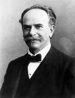 Franz Boas in 1915. (Via WikiCommons)