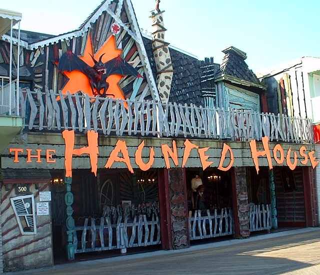 Operator Granville Trimper revamped his Ocean City, Maryland, Haunted House in 1988 by merging two 1960s Bill Tracy dark rides. (Courtesy of LaffintheDark.com)