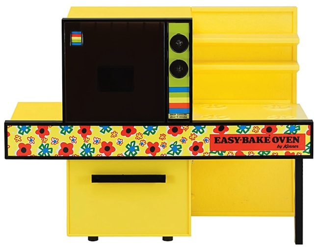 An early 1970s Easy-Bake Oven featuring popular kitchen colors of the time. (Courtesy of Todd Coopee)