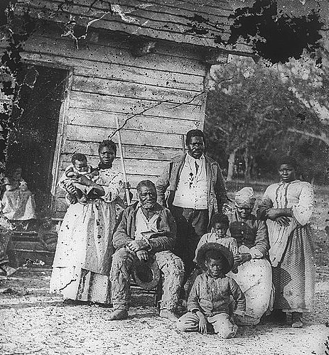Five generations of an enslaved family on James Joyner Smith's cotton plantation in Beaufort, South Carolina. (Via Library of Congress)