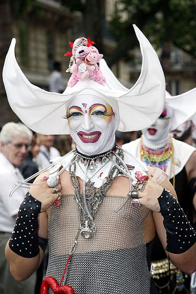Sister Innocenta of the Sisters of Perpetual Indulgence at Gay Pride Paris in  2007. (Via WikiCommons)