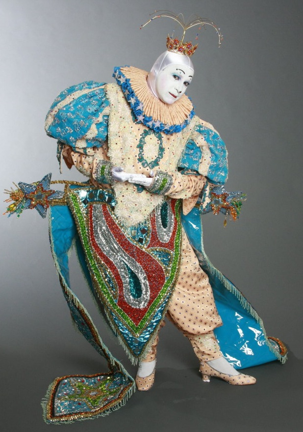 "Luis Casiano won the ""classic whiteface"" category at the 2010 World Clown Association Convention. The classic whiteface clown has become too elegant and beautifully adorned to be a comic. (Via WorldClown.com)"