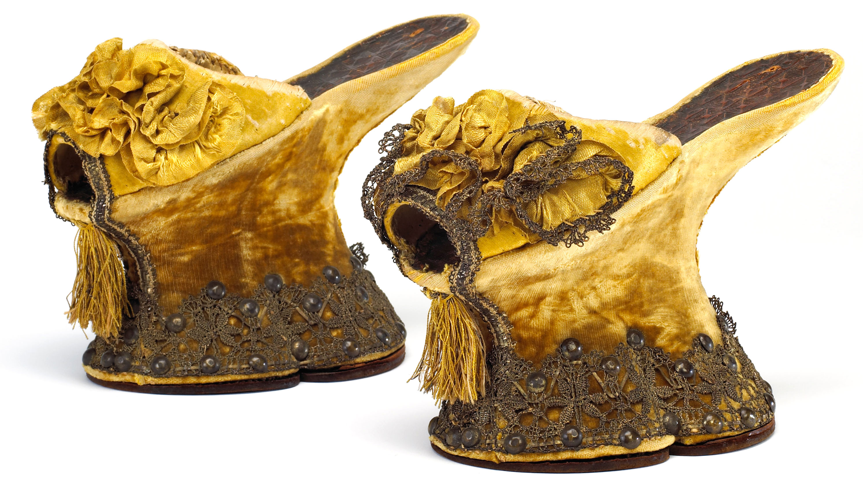 16th Century Shoes in The 16th Century
