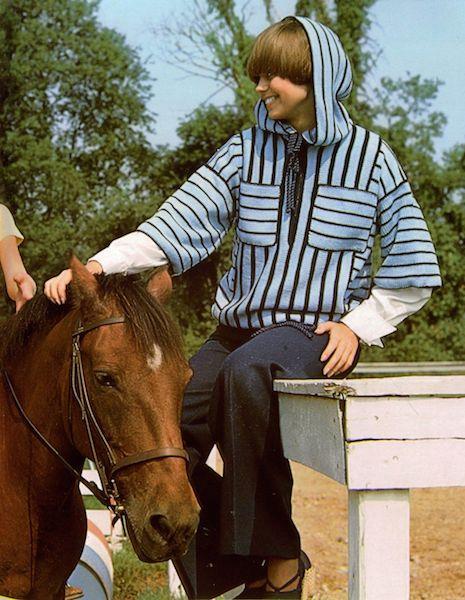 knit_hoodie_horsie