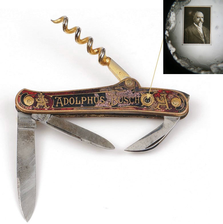 This champagne-pattern knife features a Stanhope with a portrait of Adolphus Busch, circa 1890s. Photos courtesy Rob Niederman.