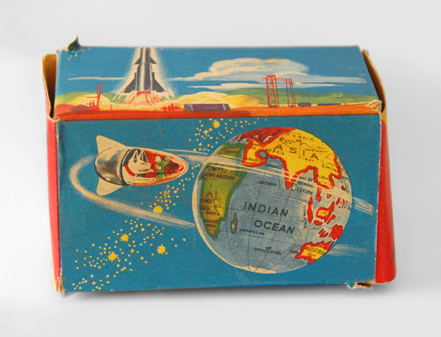 The packaging of a Laika clockwork toy made by the GNK company in West Germany between 1958 and 1965. (© FUEL Publishing / Marianne Van den Lemmer)