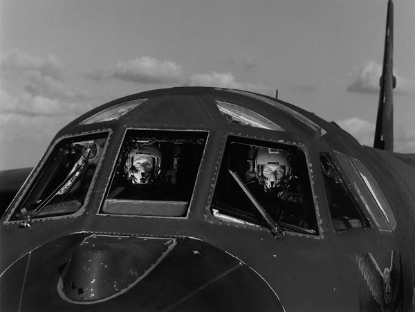 B-52 Cockpit crew