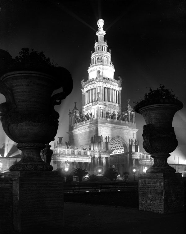 The Tower of Jewels viewed from the South Gardens at night. Courtesy the Seligman Family Foundation.