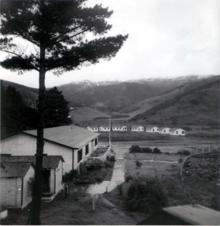 The Muir Beach Lodge, circa 1948, site of an Acid Test on either December 11 or 18, 1965. Via bellobeach.com.
