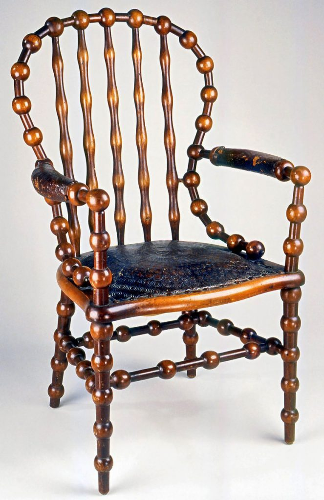 "This 1890s Hunzinger chair came with a removable leather back panel, which partially hid the frame's simple geometry. Via the <a href=""https://www.brooklynmuseum.org/opencollection/objects/2354"" target=""_blank"">Brooklyn Museum</a>."